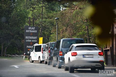 Autostāvvietas pie Plitvices ezeriem
