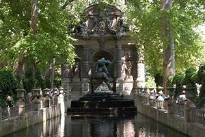 File:Paris Fontaine de Medicis Jardin du LuxembourgWikipedia