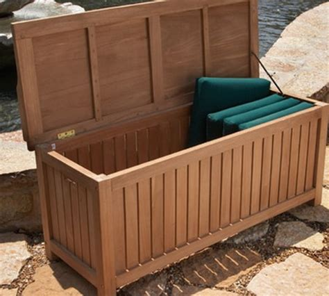 how to build a deck box