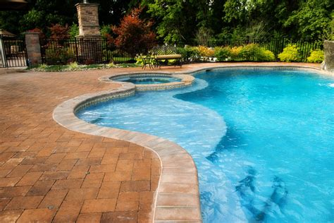 Pool : Anthony & Sylvan Pools