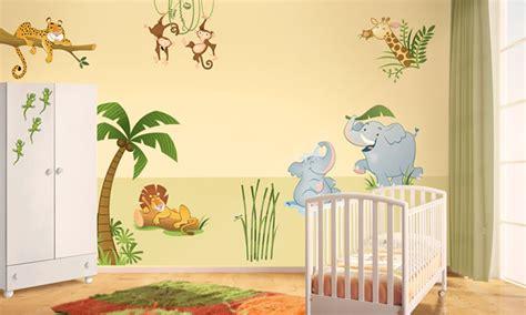 chambre de bébé jungle chambre bébé la jungle leostickers