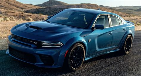 dodge charger scat pack  srt hellcat widebody debut     hp carscoops