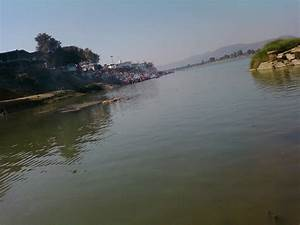 File:Narmada river (M.P.) india.jpg