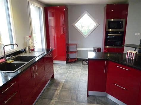 cuisines rouges pose de cuisine menuisier près de mont de marsan 40