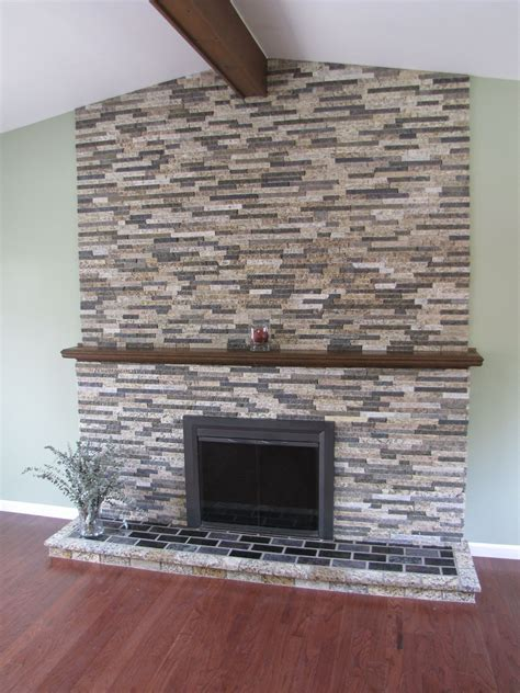 Stone Veneer Fireplace to Decorate Your Living Room