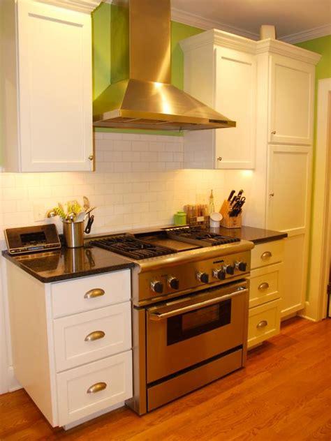 hgtv small kitchen designs innovative small kitchen design ideas hgtv 4193