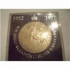 Queen Elizabeth II Silver Jubilee CROWN 1952 -1977 Coin
