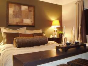 Bedroom Decorating Ideas For Couples Bedroom Small Bedroom Design Ideas For Couples With Brown Color Schemes And Table L Tips On