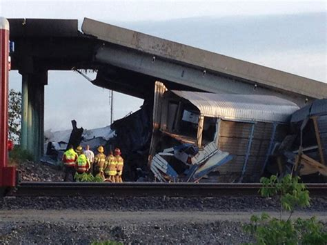 7 Injured After Missouri Freight Trains Cause Overpass