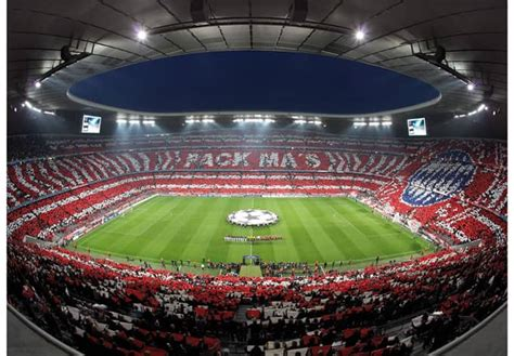 We would like to show you a description here but the site won't allow us. Fotobehang Bayern München Stadion - wall-art.nl
