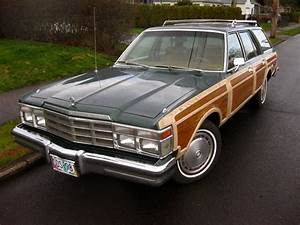 Old Parked Cars   1979 Chrysler Lebaron Town  U0026 Country