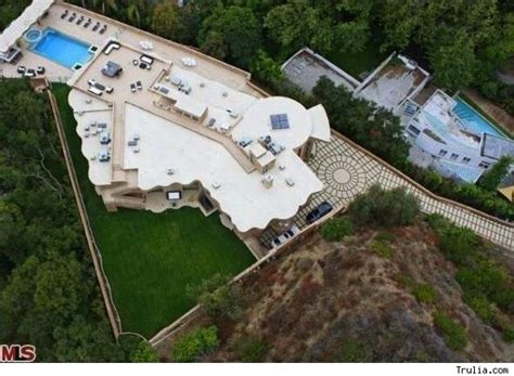 la maison de rihanna rihanna diamonds singer buys house for 12 million in pacific palisades
