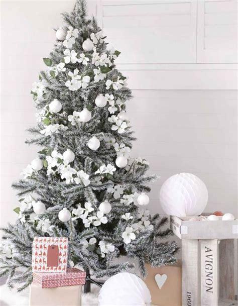 top minimalist  modern christmas tree decor ideas