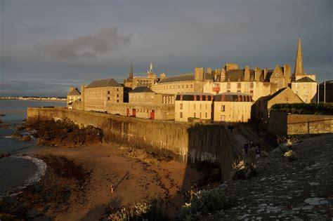 15 lieux bretons d exception 224 visiter en bateau heycaptain fr