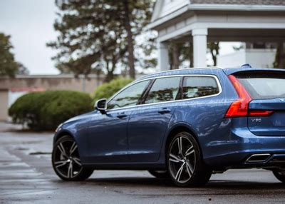 Volvo 2019 Station Wagon by 2019 Volvo V60 Wagon Teased Before February Unveil