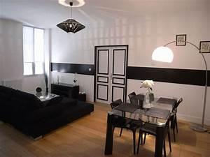 awesome deco petit salon gallery lalawgroupus With meuble pour petit appartement 10 idee decoration salon gris blanc et bleu deco maison moderne