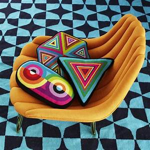 Jonathan Adler Kissen : futuristically fab blanket and pillows crochet h keln decken polster polster projekte und ~ Frokenaadalensverden.com Haus und Dekorationen