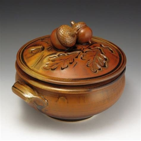 39 s pottery casserole acorn topped casserole acorns or leaves are great for