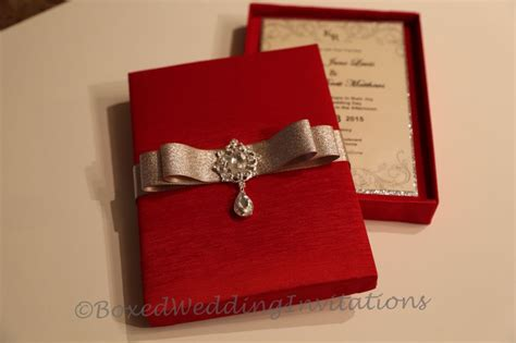 we made these gorgeous wedding invitation boxes cards