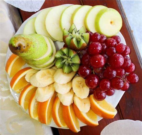 Фруктовая нарезка на праздничный стол фото идеи как оформить фруктовую нарезку