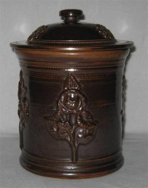 ancien pot 224 tabac en gr 232 s de beauvaisis 224 d 233 cor de fleurs 1522 chinons fr brocante en ligne