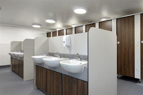 8 features all school washrooms should envoplan