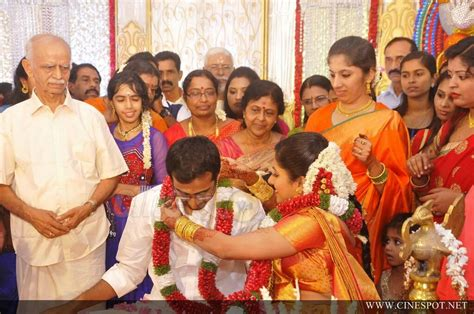 actress karthika murali photos murali daughter karthika marriage photo 2