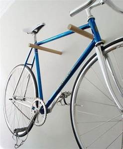 Fahrrad Wandhalterung Holz : 15 ideen wie du eine fahrrad wandhalterung selber bauen kannst diy ideen ~ Markanthonyermac.com Haus und Dekorationen