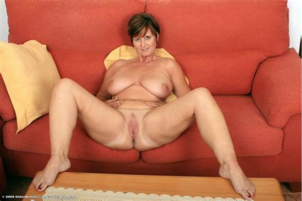 #Hot #Mature #Pussy #And #Leg #Spreading #02
