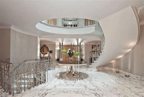 stately  bedroom mansion  surrey england   car garage floor plans homes   rich