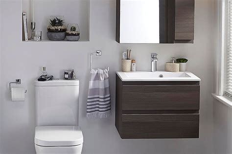 Pictures Of Small Bathrooms by How To Make A Small Bathroom Look Bigger Tips And Ideas