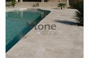 carrelage exterieur travertin pour terrasse good pour le With amazing comment poser des margelles de piscine 14 terrasse jardin pierre