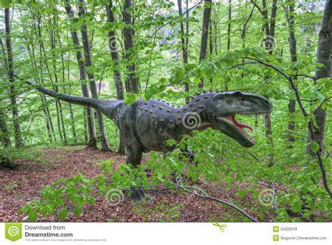Real-sized Dinosaurs At