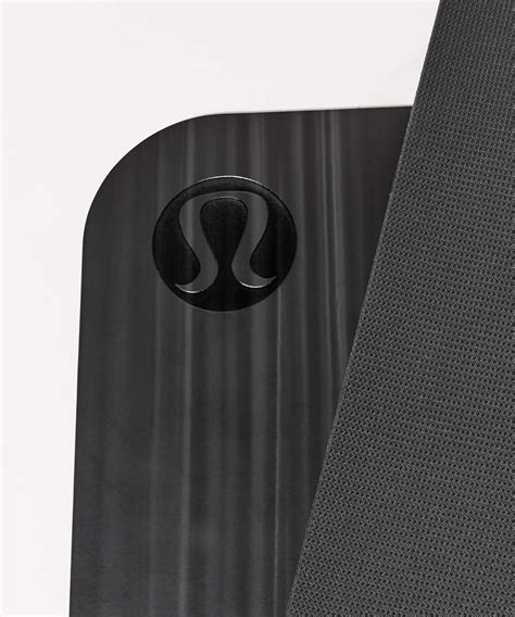 lululemon the mat lululemon the reversible mat 5mm black white black