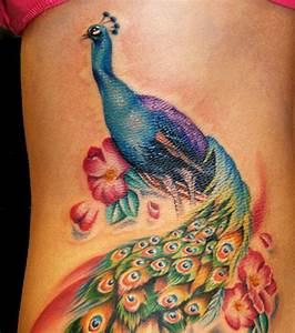 Tatouage De Femme : photo tatouage femme un paon pour recouvrir une cicatrice ~ Melissatoandfro.com Idées de Décoration