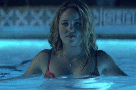 The 10 Sexiest Pool Scenes In Movie History Vh1 News