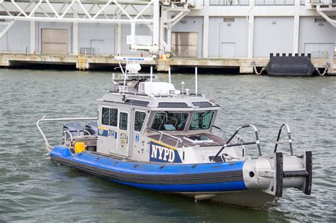united states coast guard boat  hudson river