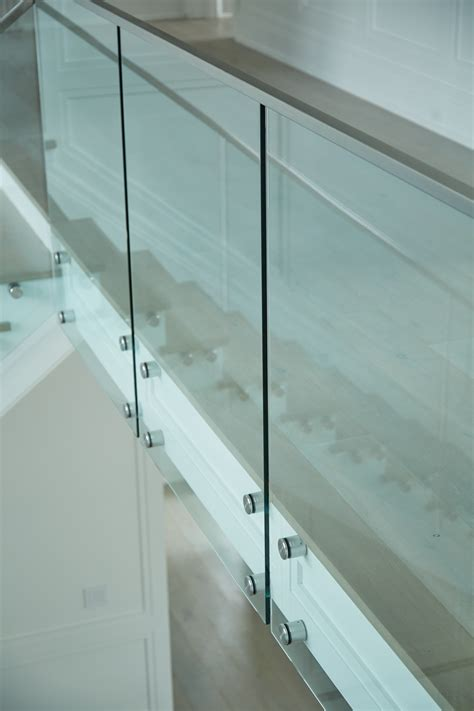 modern glass railing viewrail