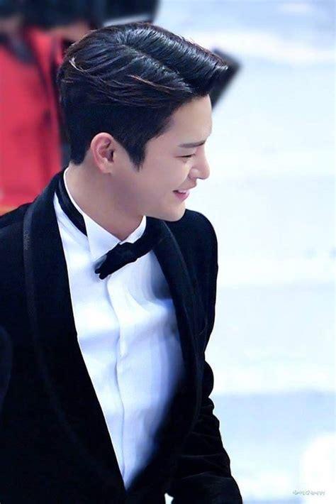 model rambut pendek pria korea  men hairstyle