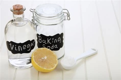 diy natural cleaning products simple home solutions