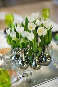 Deko Vasen Mit Blumen : farbenpr chtige tisch dekoration f r den fr hling 28 frische ideen ~ Markanthonyermac.com Haus und Dekorationen