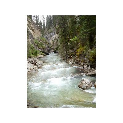 Banff and the gorgeous Johnston CanyonBe Free to Change