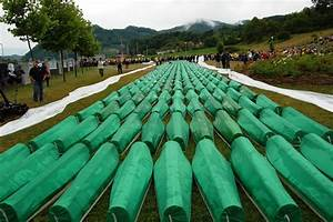 Srebrenica genocide | The Image and the Death