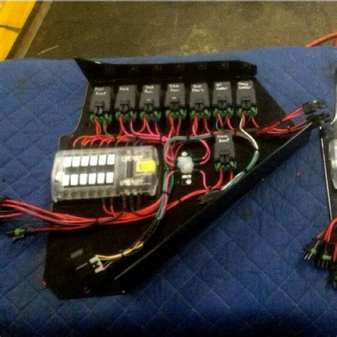 Electrical Fuse Box In Car by 325 Best 12 Volt Electrical Wiring Charging