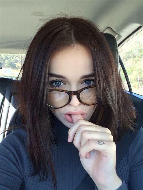 so cute :3 Poses para selfies Fotos con lentes Cabello