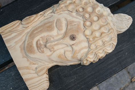 carve  face  wood  pictures ehow
