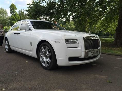 rolls royce white wraith white rolls royce ghost hire herts rollers