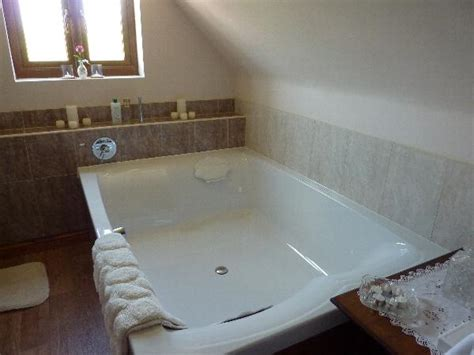 Large Bathtubs by How To Keep Large Soaking Tub