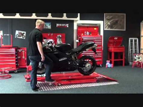 power plus tools powerplustools motorrad hebeb 220 hne mit radklemmer tutorial