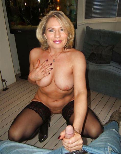 Photos De Handjob De Femmes Mrues Qui Branlent Des Bites